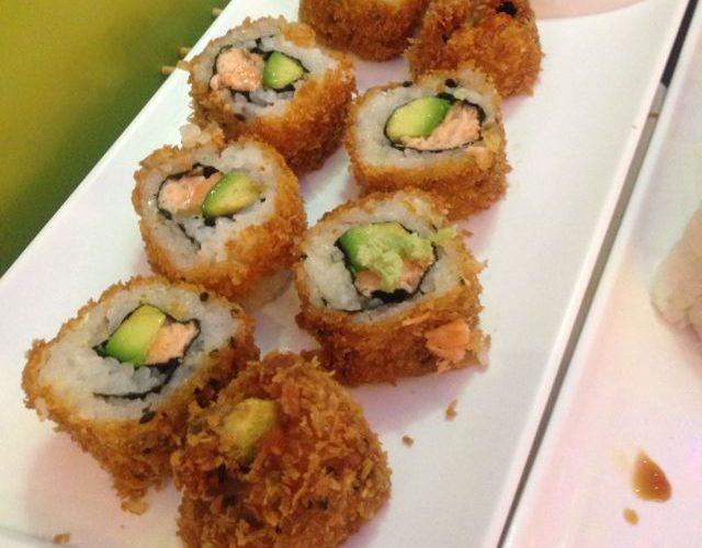 Savoir comment faire des sushis frits permet de varier les plaisirs avec de la cuisine asiatique