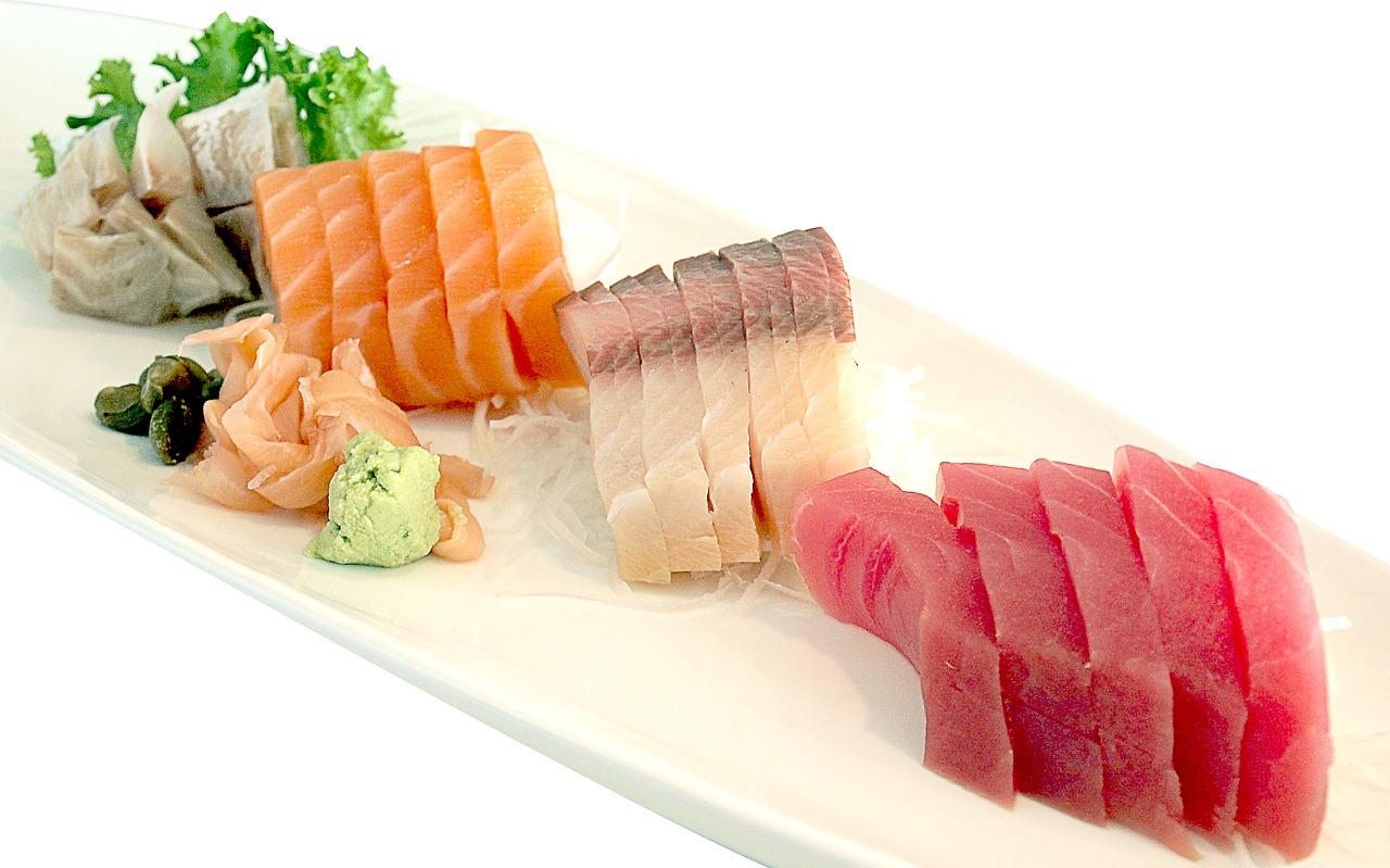 poissons cru sushis